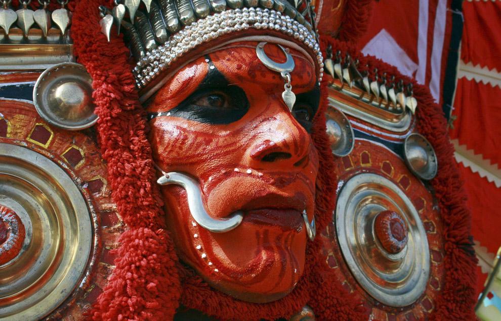 Bailarin Theyyam